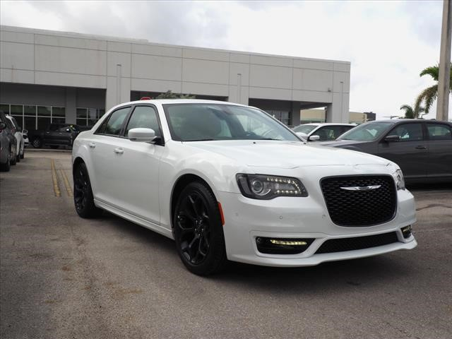 New 2019 Chrysler 300 S Sedan In Miami D9h502970 Kendall Dodge